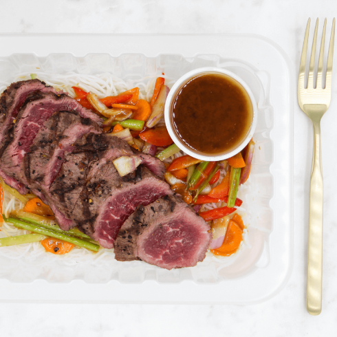 Tataki de boeuf sur salade asiatique