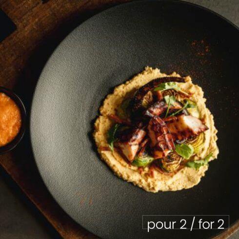 Pieuvre grillée à la portugaise et hummus