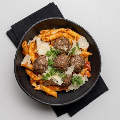 Penne with meatballs and tomato sauce