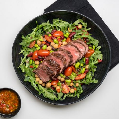 Mexican grilled beef salad