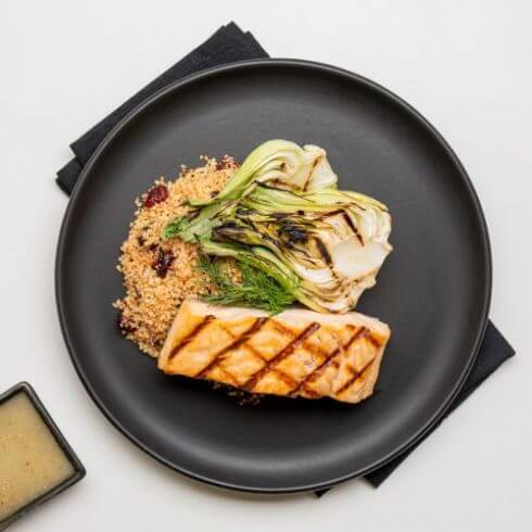 Grilled salmon, herbs sauce